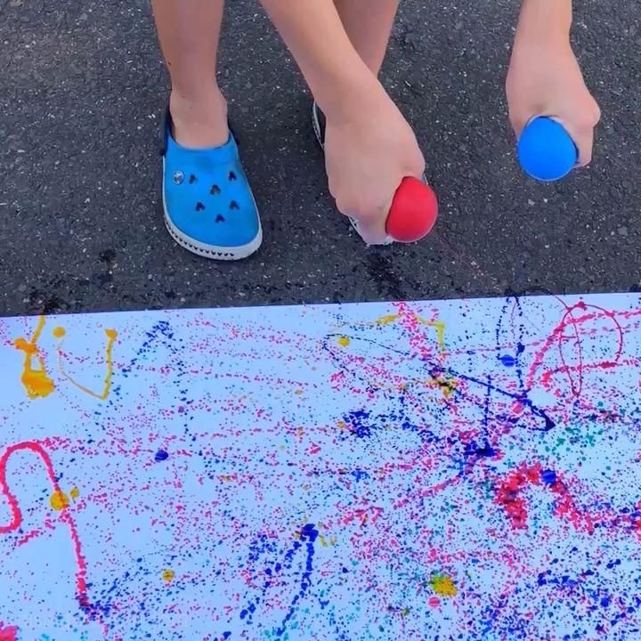 Balloon Splatter Painting * ages 3+ ⋆ Raising Dragons #craftsforkids