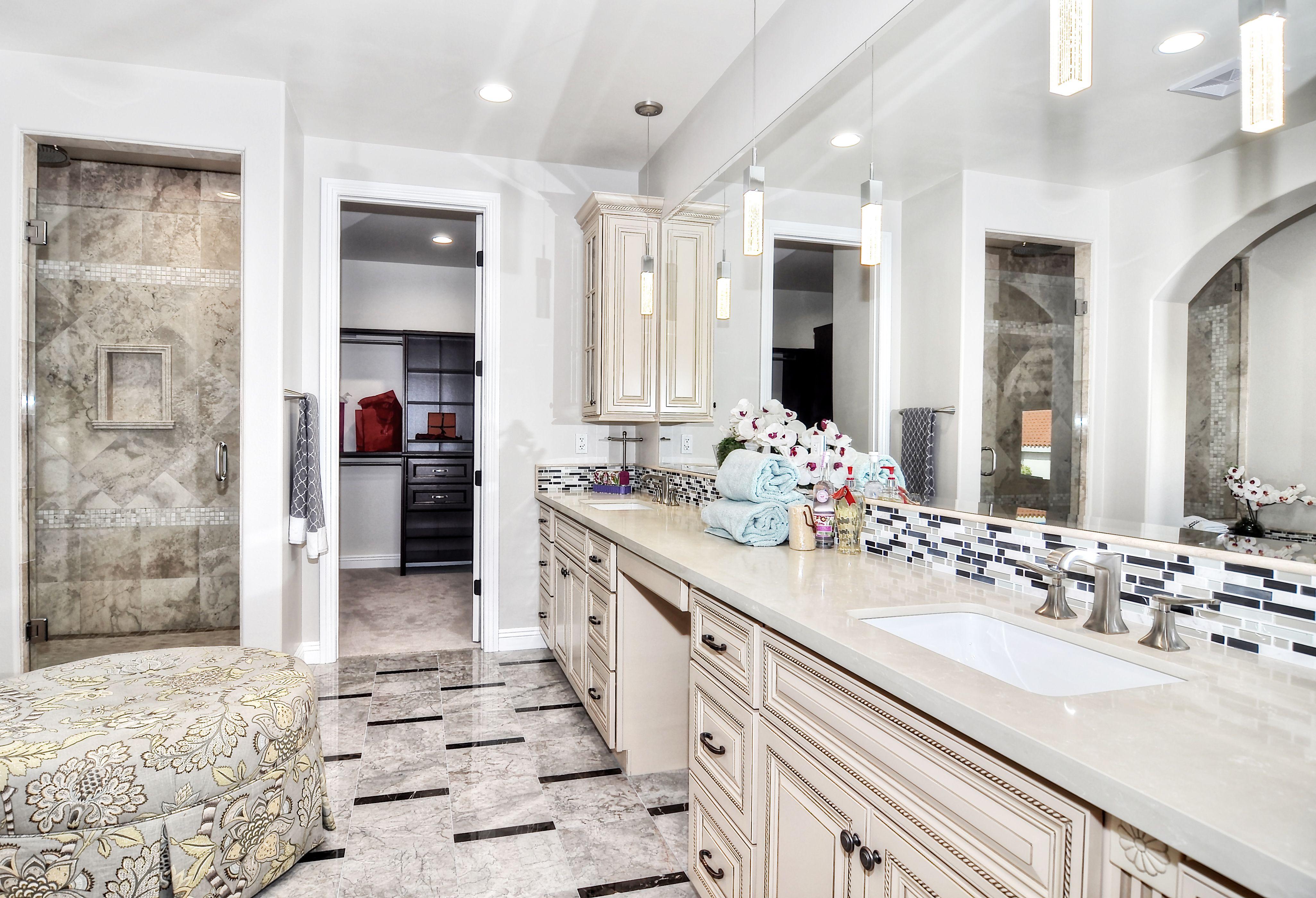Photo Of Wood Floor Master Bathrooms Warehouse Cabinets