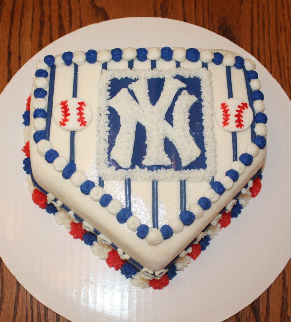 NY Yankees simply2sweet Pinterest Cakes and Yankee cake