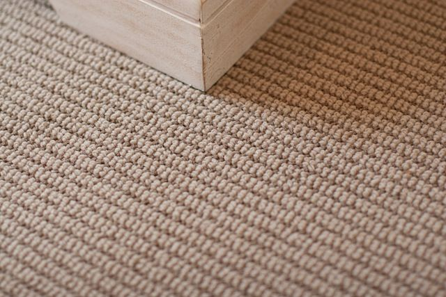 RES 1 MAIN HOUSE CARPET - We showcase durable Dixie Home Natures Field carpet line featuring