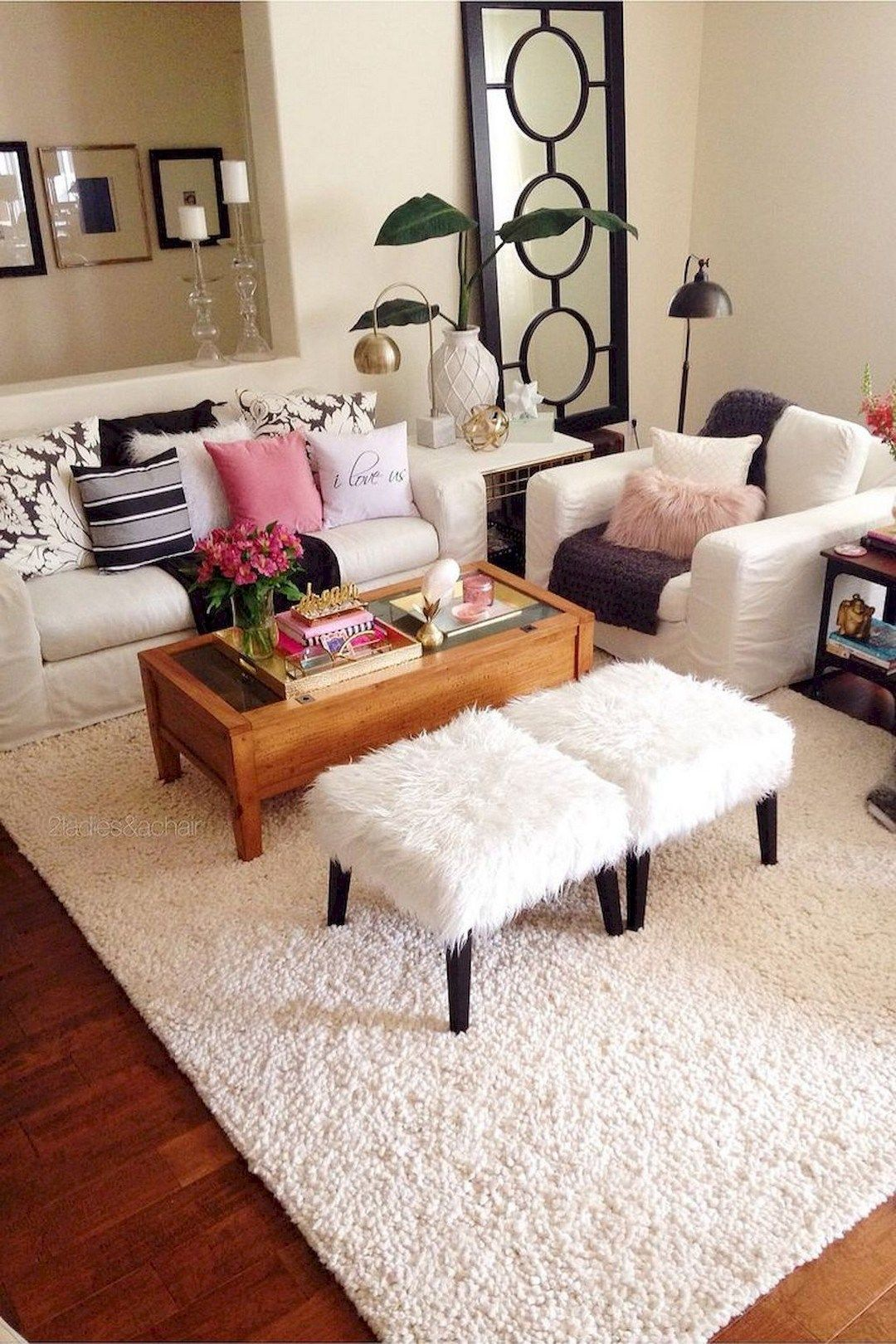 Cozy Small Apartment Decorating Ideas On A Budget Decomagz College Apartment Decor Apartment Decorating Rental Apartment Decorating Rental Budget