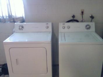Estate Whirlpool Large Capacity Washer And Electric Dryer In Misully S Garage Sale In Orlando Fl For W 200 D Electric Dryers Vintage Appliances Garage Sales