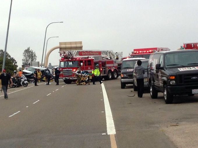 Multi-vehicle crash snarls traffic on I-15 - San Diego