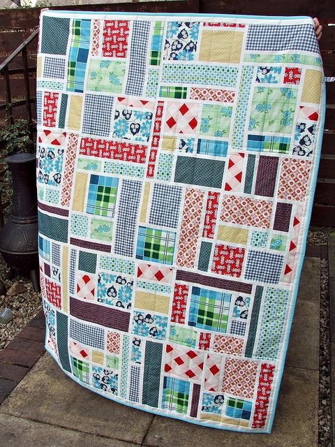 staind picnic by ochil_lynz, via Flickr - quilt along!