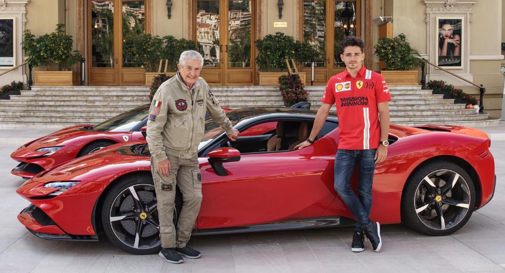 شارل لوكلير يقود سيارة الألف حصان فيراري أس أف 90 سترادلي عبر شوارع موناكو خلال تصوير فيلم فيراري الجديد موقع ويلز In 2020 Ferrari Monaco