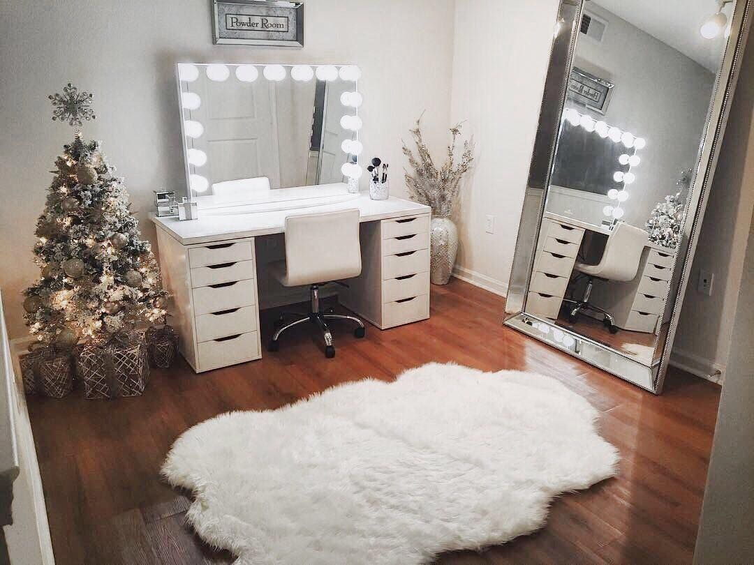 12 2k Likes 174 Comments Impressions Vanity Co  # Muebles Kay Canals
