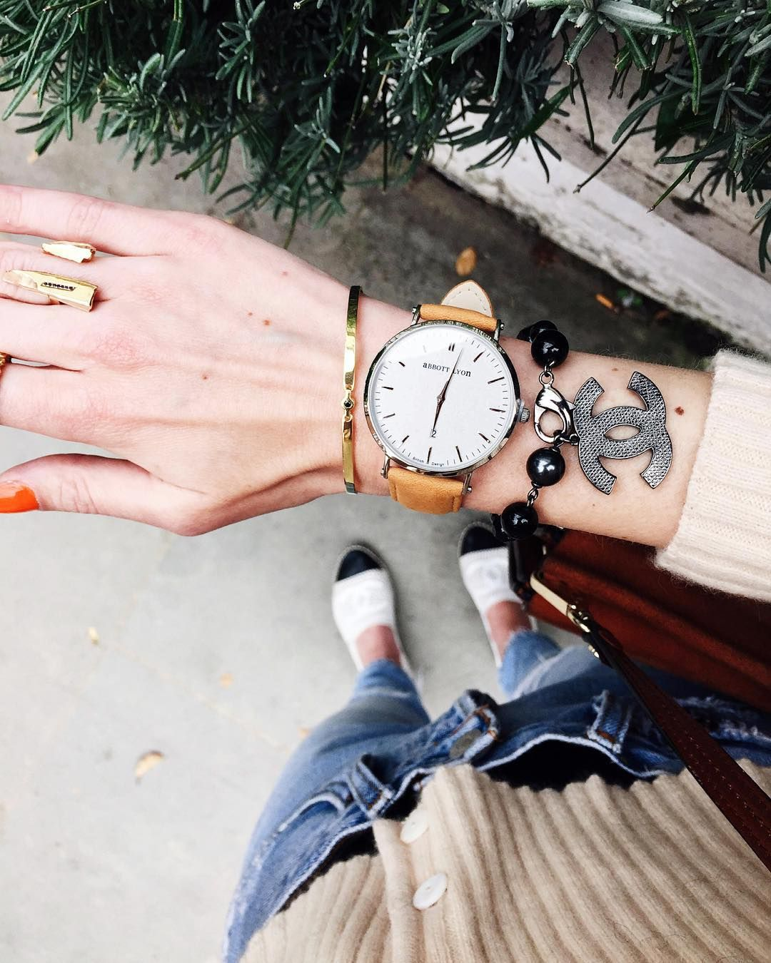 «new fav @abbottlyon suede watch  You can use code 'AliceAL25' for £25 off on any order worldwide + free shipping #AnnaNina»