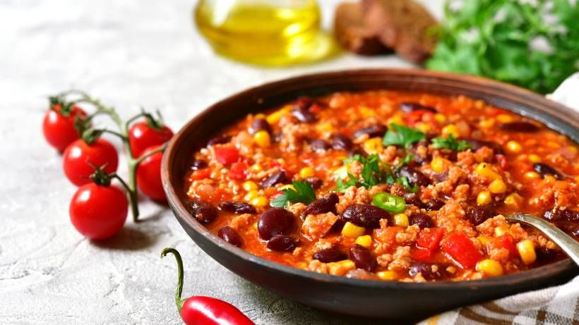 Chili con Carne: Kalorienarmes Rezept für den Party-Hit