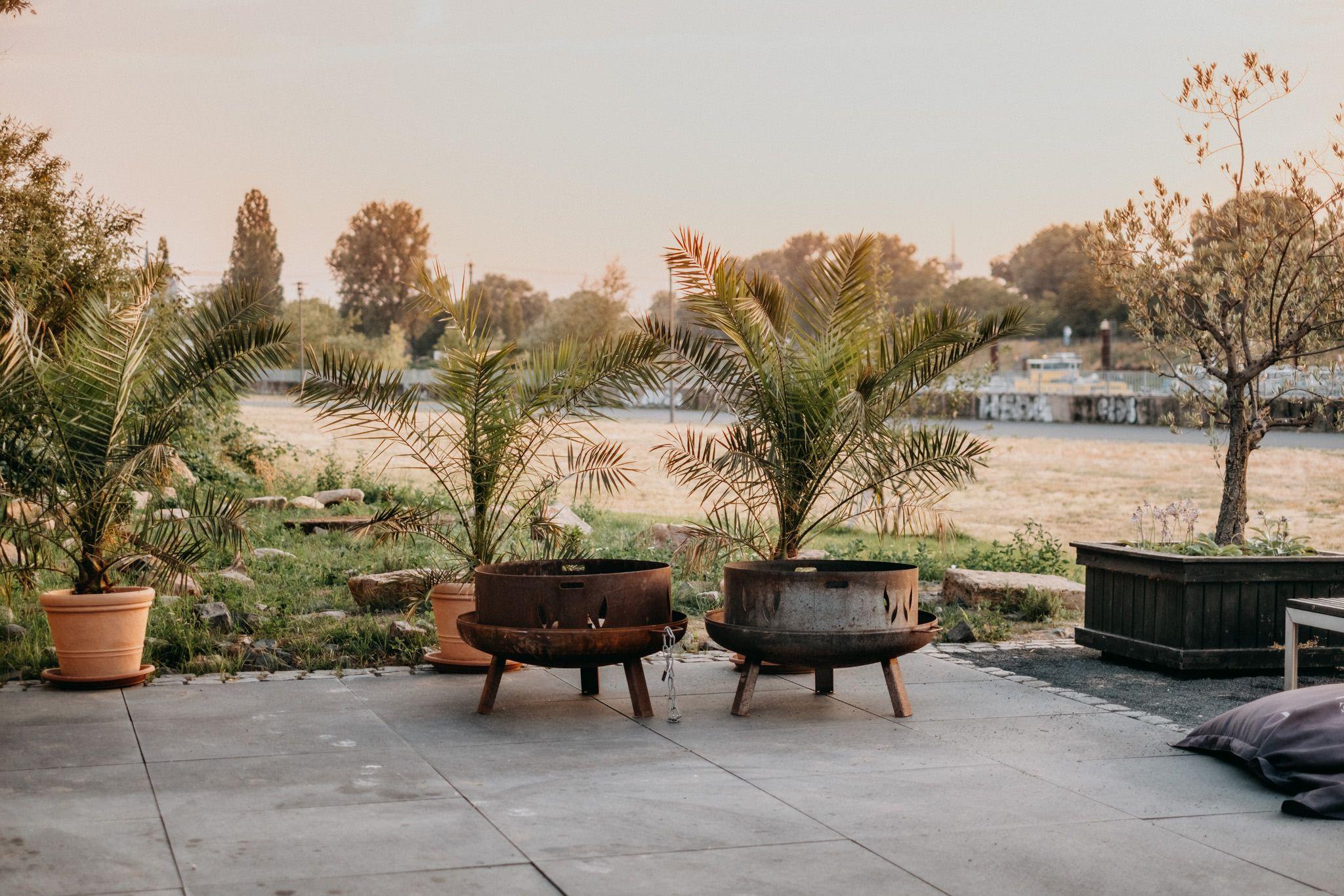 Sommerhochzeit Location In Koln Mit Fantastischem Aussenbereich In 2020 Hochzeitsfotograf Sommerhochzeit Hochzeitslocation