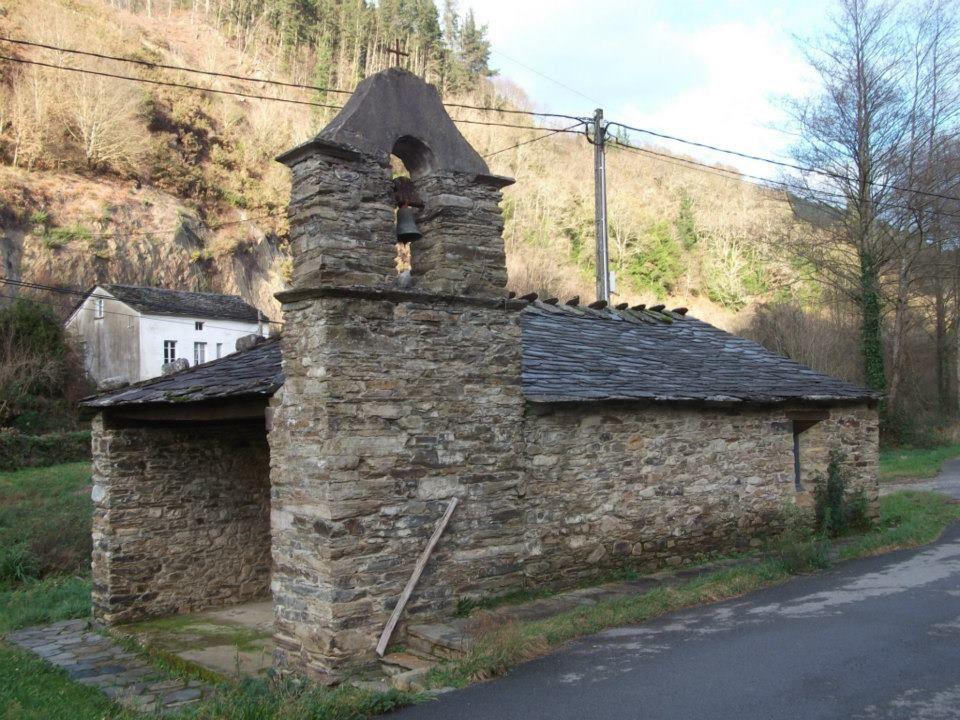 Iglesia de Aguillón