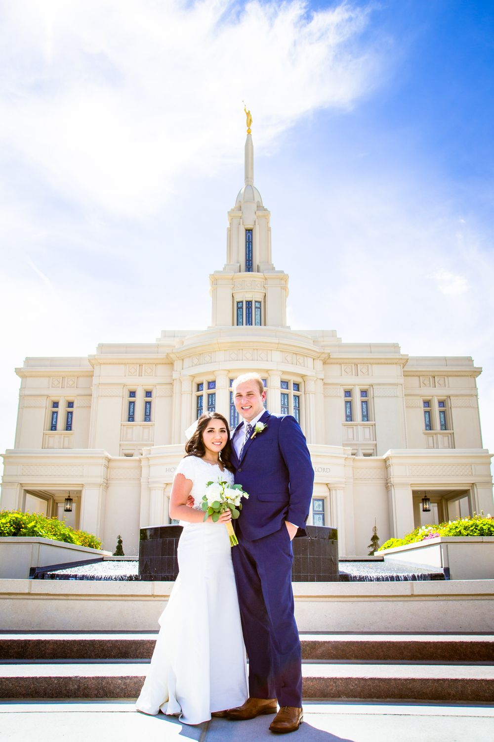 Ashleydallin creative payson temple utah wedding photographer
