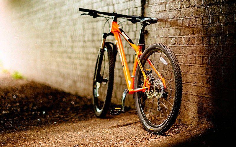 Best Mountain Bikes Under 2000 Top 7 Reviewed Best Mountain Bikes Bicycle Wallpaper Mountain Biking