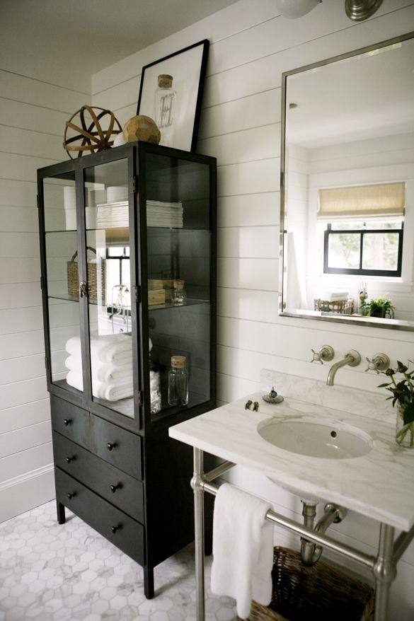 15++ Small bathroom hutch model
