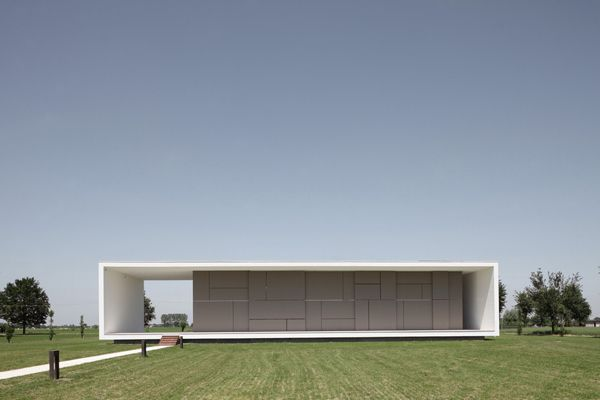 Minimalism House Italian Home Architecture  Super Minimalist House Design .