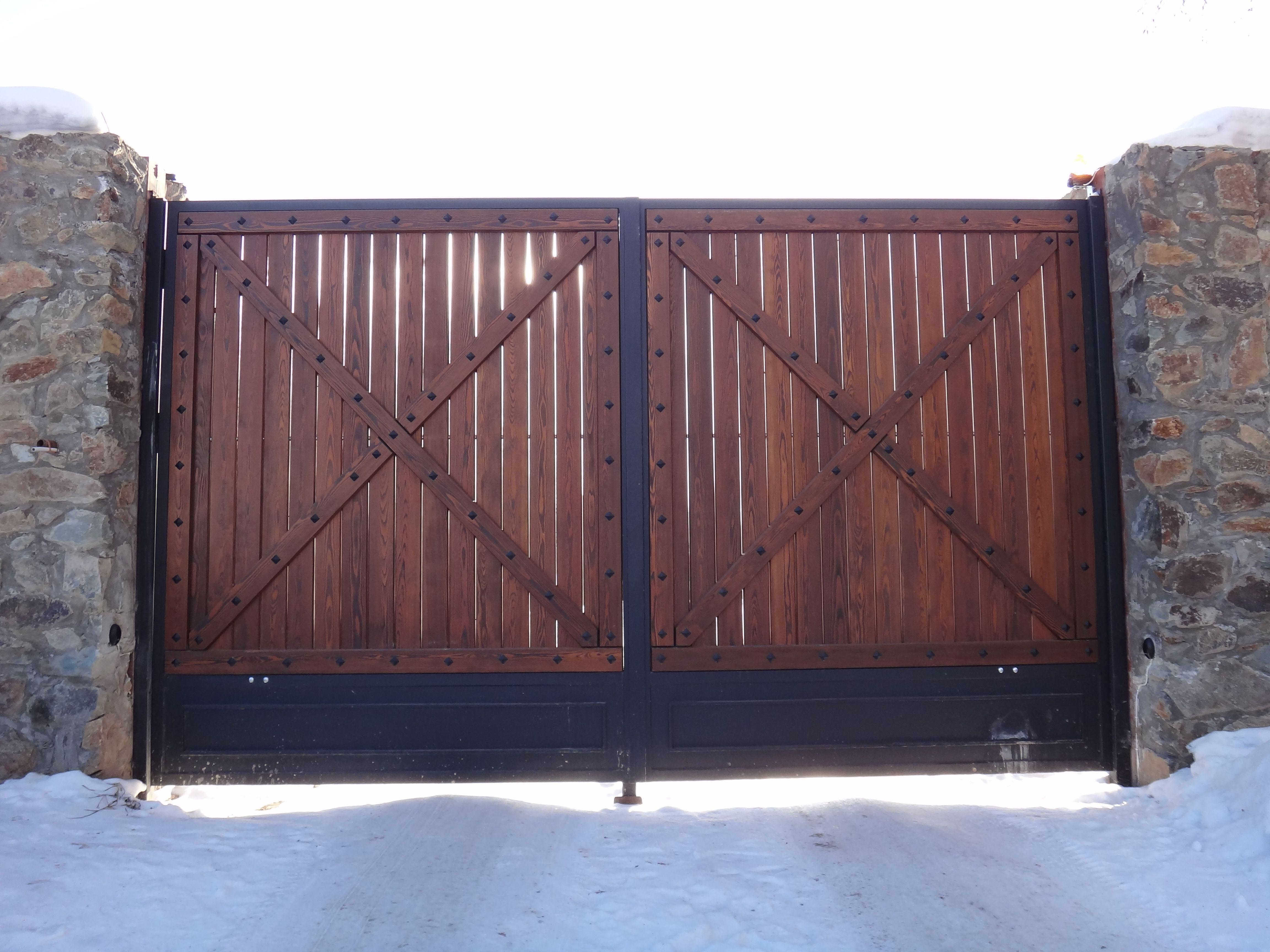 Рисунки на железных воротах фото отечественных полях