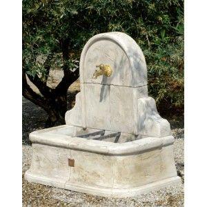 Fontaine murale st tropez pierre reconstitu e fontaine for Decoration murale jardiland