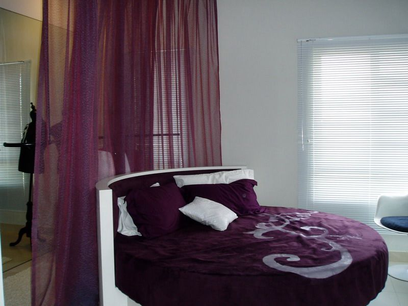 Bedroom decorating ideas for married couples2