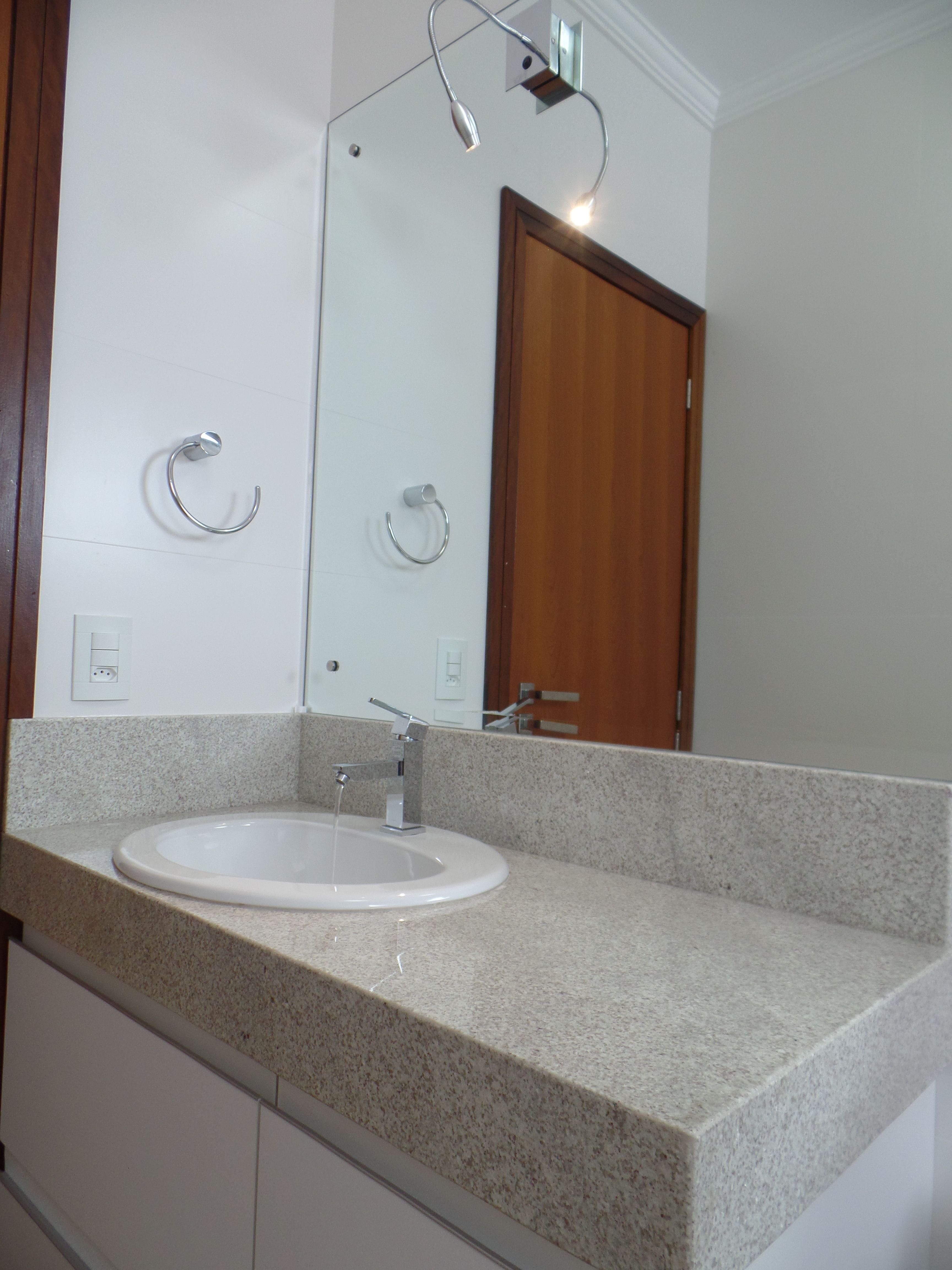 Bancada De Banheiro Em Granito Itaunas Com Imagens Granito