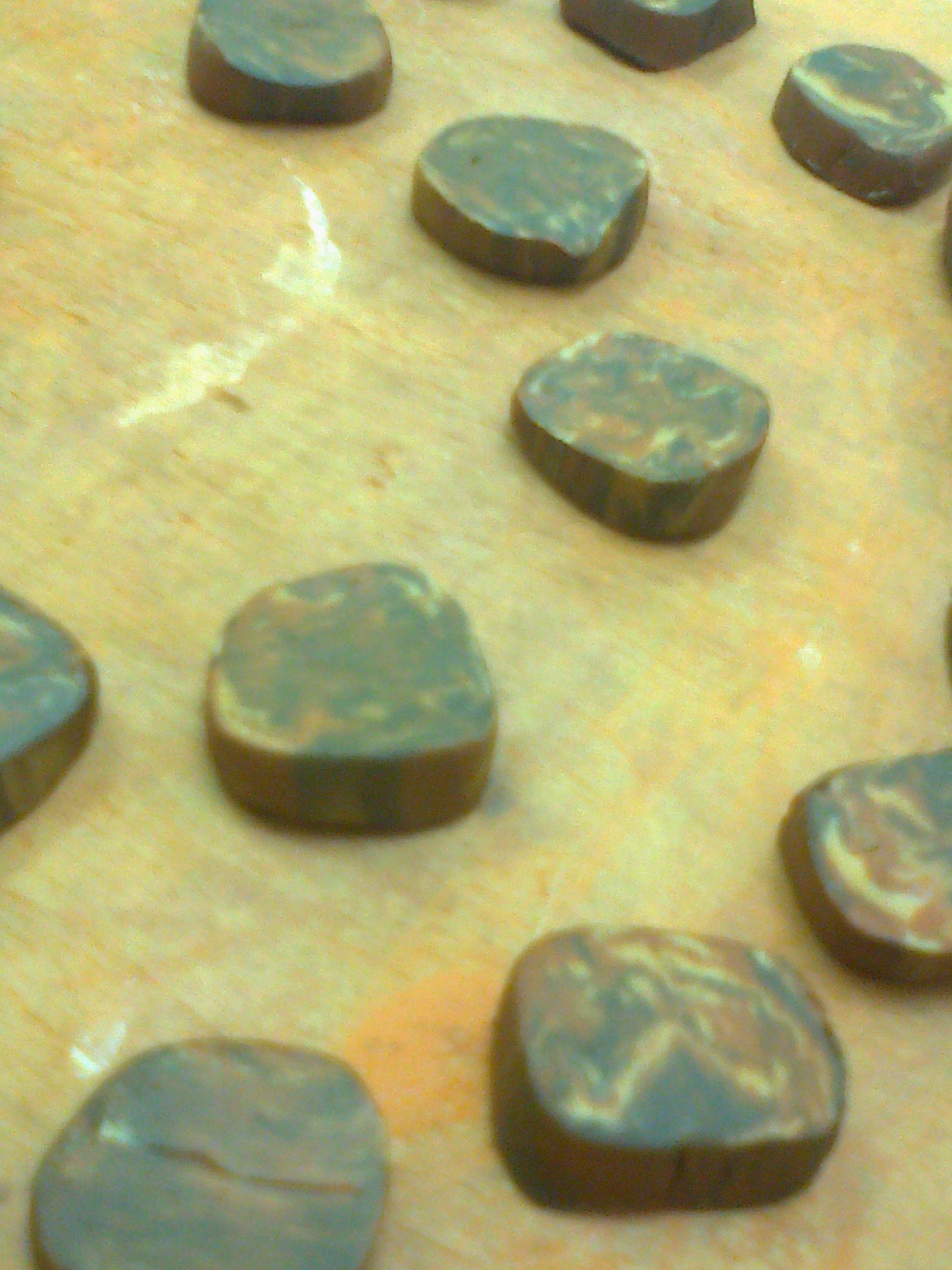 Clay dots