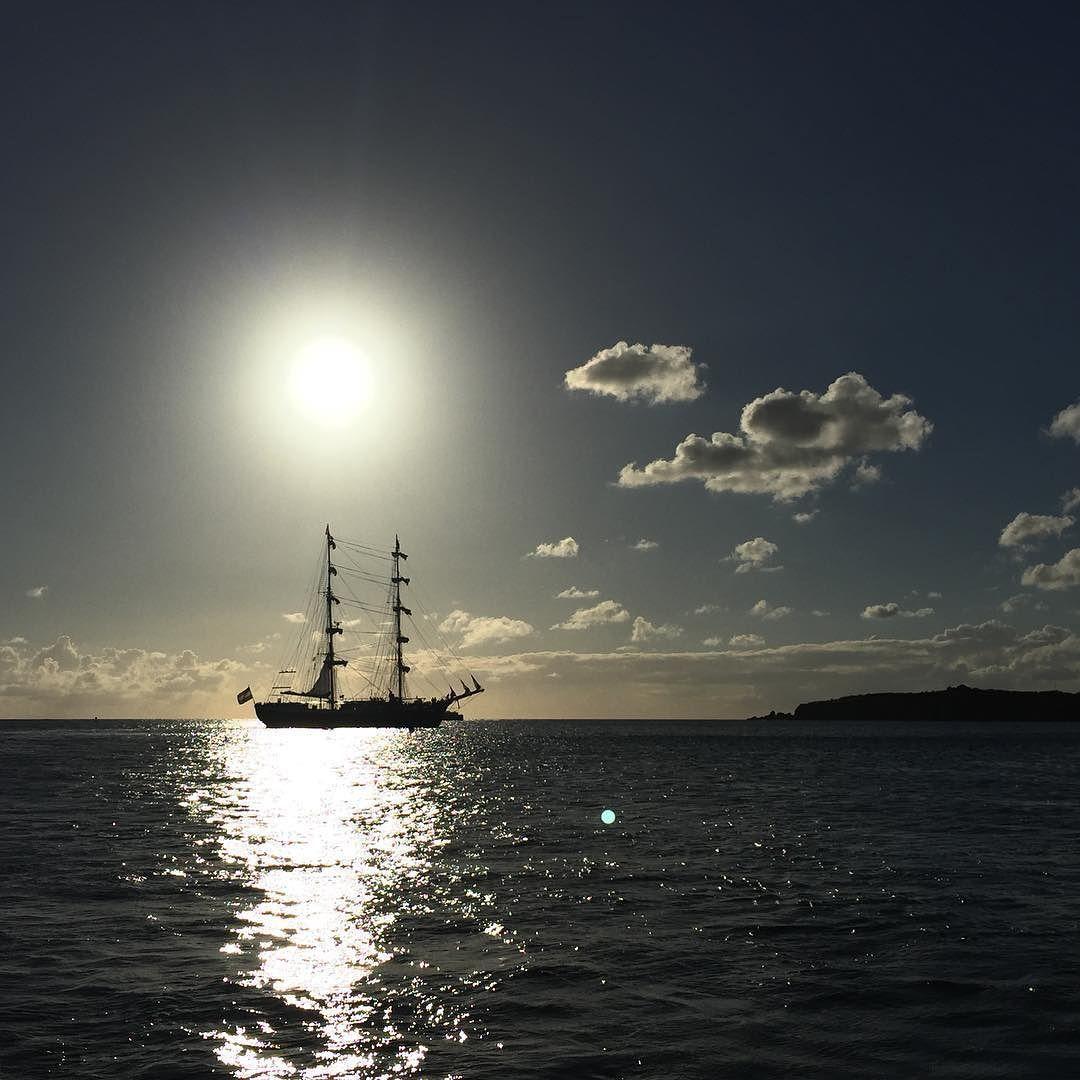 Segelschiffe auf dem meer sonnenuntergang  Mein kleines Segelschiff in St. Maarten #Karibik #Segelschiff ...