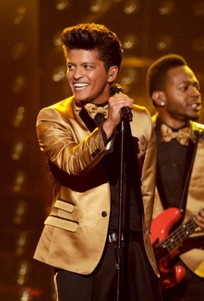 10 Pictures That Prove Bruno Mars Is Actually Powerline From A Goofy Movie Bruno Mars Bruno Mars Grammys Mars Pictures
