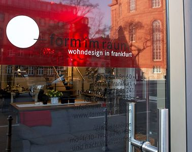 form im raum wohndesign in frankfurt form im raum shop wohn design form und design. Black Bedroom Furniture Sets. Home Design Ideas