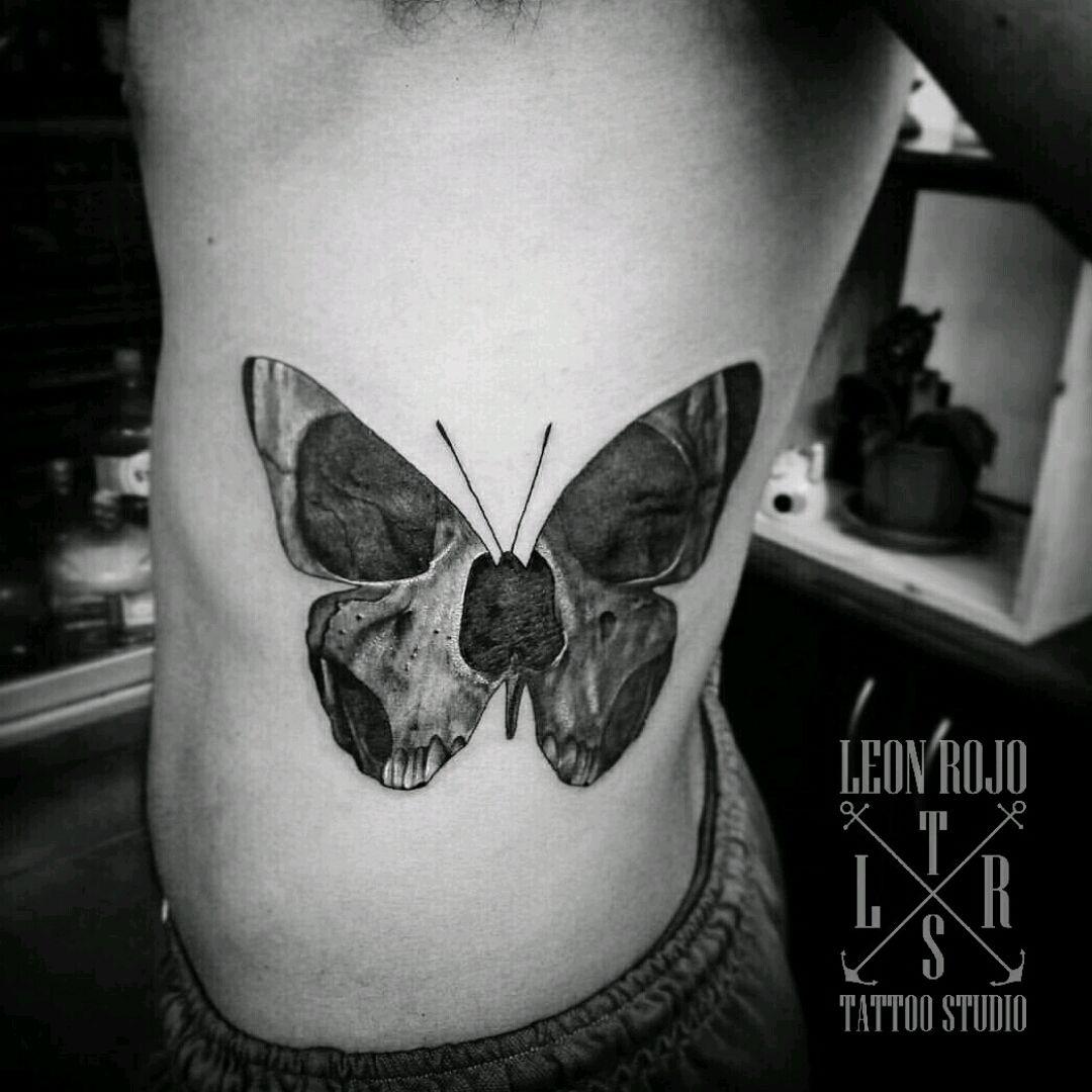 Mariposa X2f Calavera Butterfly Butterflytattoo Tattoobutterflyer Butterflyskull Butterflyskulltattoo Insect Tattoo Mens Butterfly Tattoo Calavera Tattoo