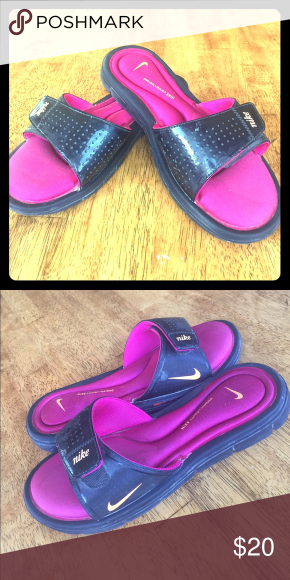 ec98a4c9302e Women s slides Hardly worn Nike slides. Says size 7 but fit more like a 6. Nike  Shoes Sandals