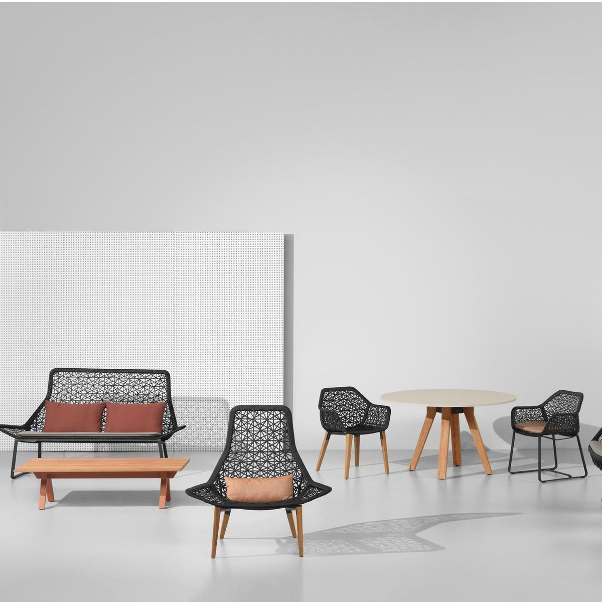 Kettal - Maia - Chaise avec accoud./ chaise de jardin | Design ...