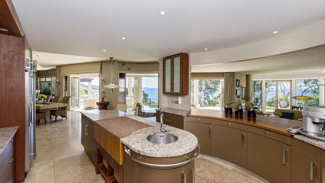 Houses For Sale New Zealand Homes For Sale Nz House For Sale Home For Sale Bayleys Realty Group New Zealand Houses Sale House Home