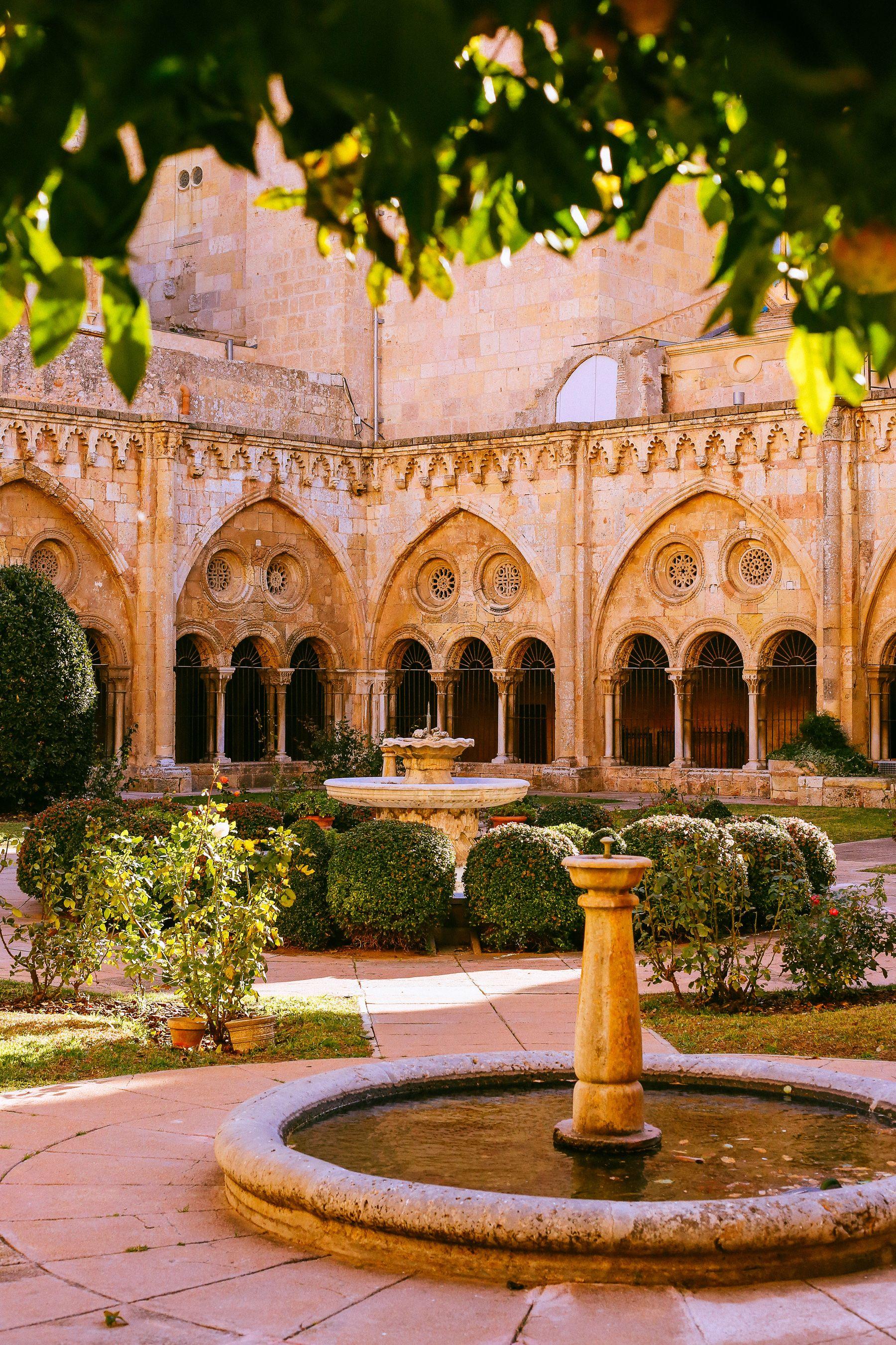 tarragona, spain, cathedral, patio, garden, courtyard, traveling ...