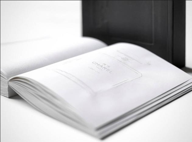 Grafisch ontwerper Irma Boom. Haar boek over Chanel nr 5 is mijn favoriet.