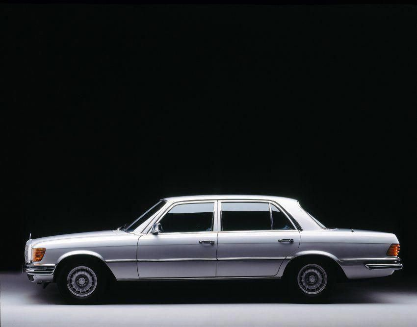 Remember Getting A Lift In One Of These As A Child It S Like Sitting On Your Sofa But With Wheels Luxurysportcarsmercedesbenz M Mercedes Benz Mercedes Benz