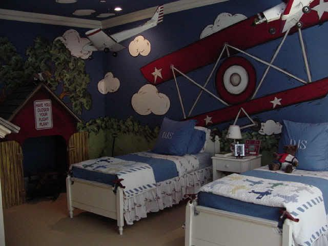 Airplane Theme Toddler Bedroom Home Decorating Design Forum Gardenweb Airplane Bedroom Toddler Rooms Bedroom Themes