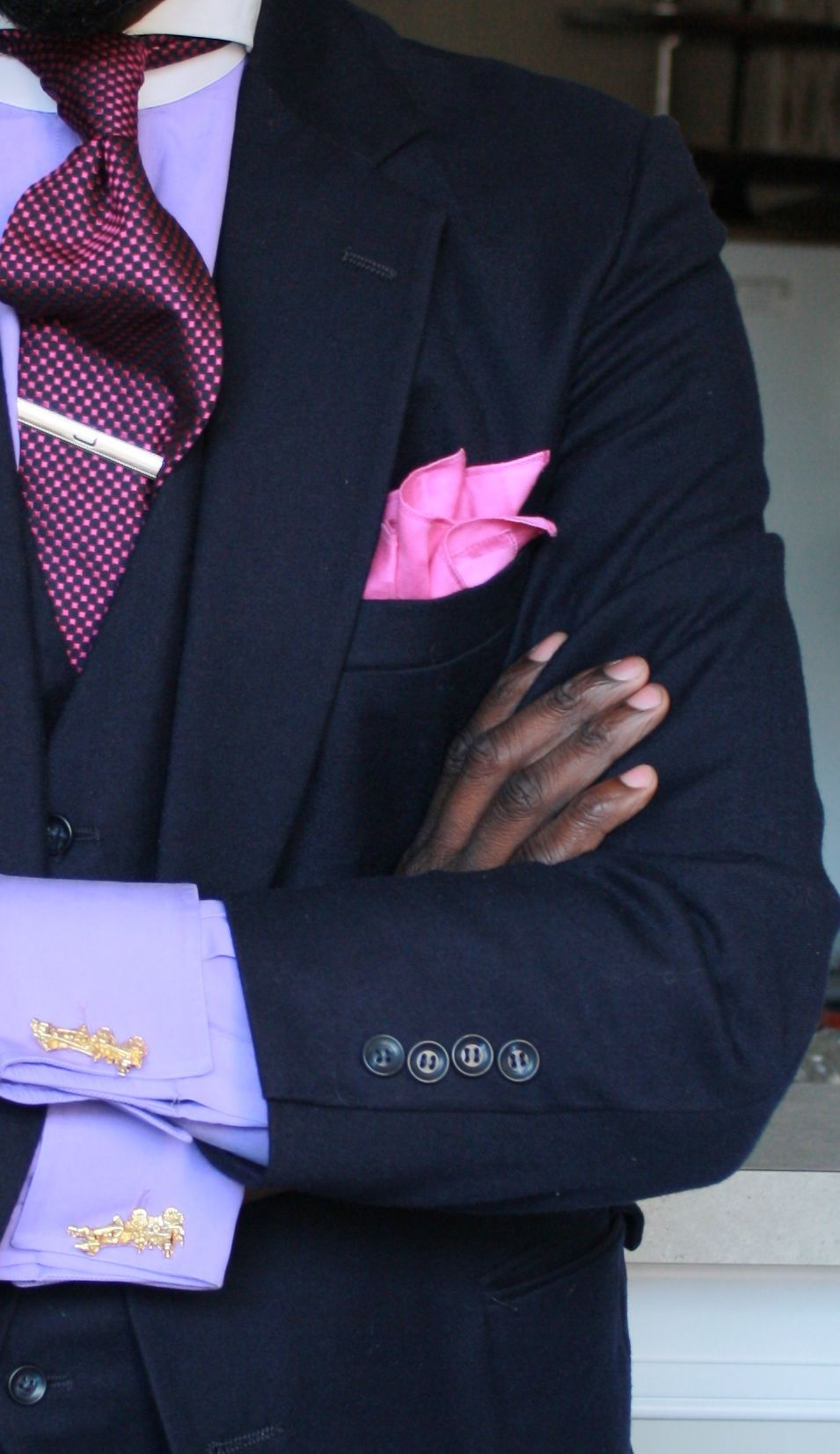 ab4fc83483d6f See how the tie stabilizes the light pink pocket square? Nice! #Aim2Win .