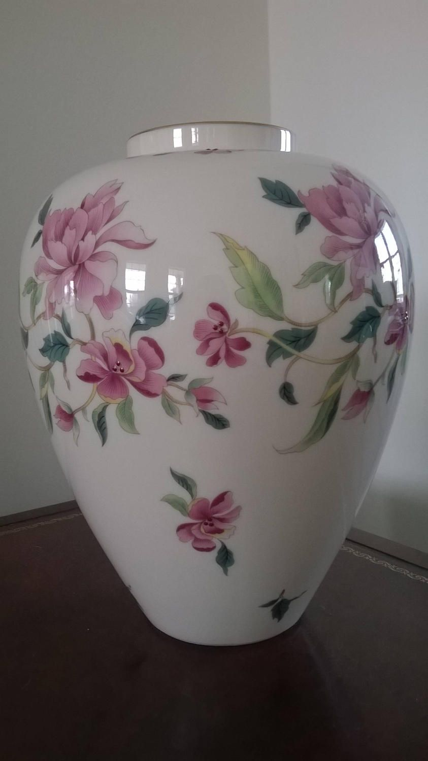 Lenox flower vase with gold trim by georgialartscrafts on etsy lenox flower vase with gold trim by georgialartscrafts on etsy reviewsmspy