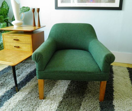 Green Fabric Lounge Chair 95 In Englewood Fabric Lounge Chair Furniture Lounge Room