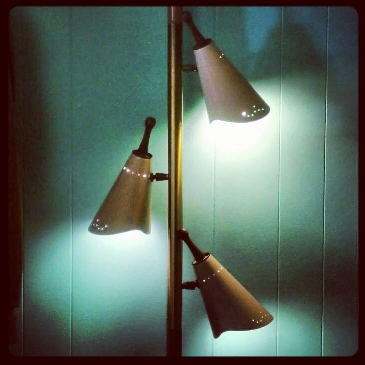 Mid Century Modern Tension Pole Lamp For Sale At Nido Vintage Furnishings  In Scottsdale,