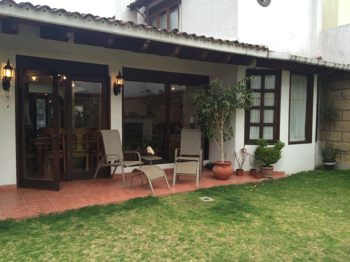 Acogedora casa tipo hacienda mexicana en una sola planta for Plantas para patios