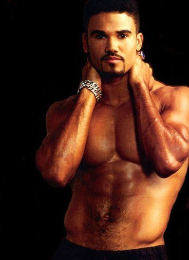 Shemar Moore ~ hot criminal minds............ Excuse me while I get a biscuit to sop that up......yummy
