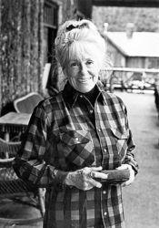 'Woodswoman' Anne LaBastille dies at 75 ...