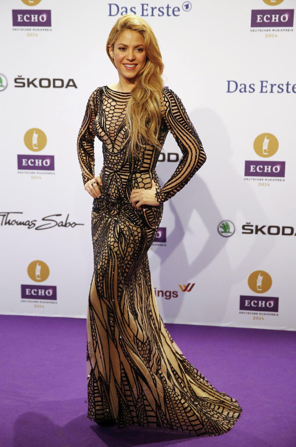 Shakira Echo Awards em Berlim | dream dresses | Pinterest | Kylie ...