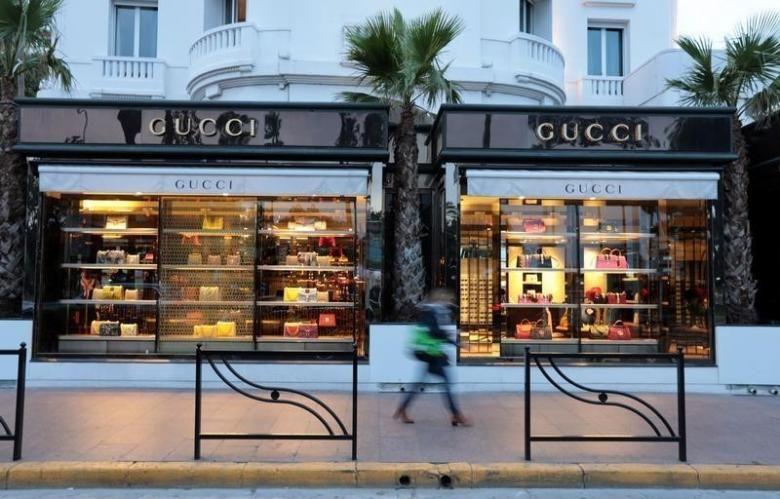 cannes gucci shop   architecture classic   Pinterest   Gucci shop ... 38eff39861e