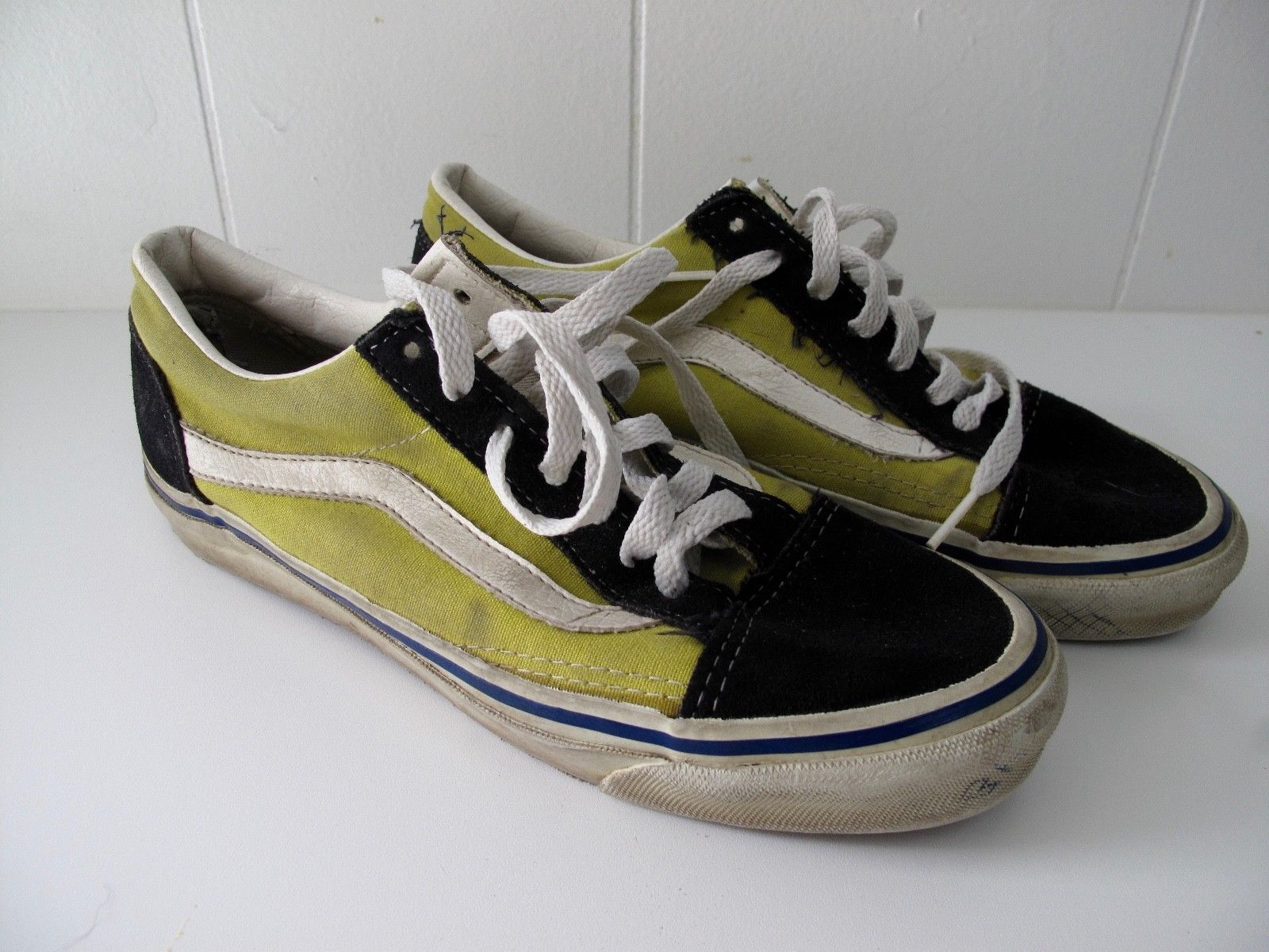 e6b3d83680b Vintage Vans Old Skool Made in USA Size 8-8.5 Yellow Black White ...