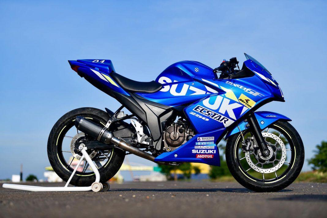 Pin By カスタム モータース On Motogp In 2020 Suzuki Motogp Suzuki Motorcycle