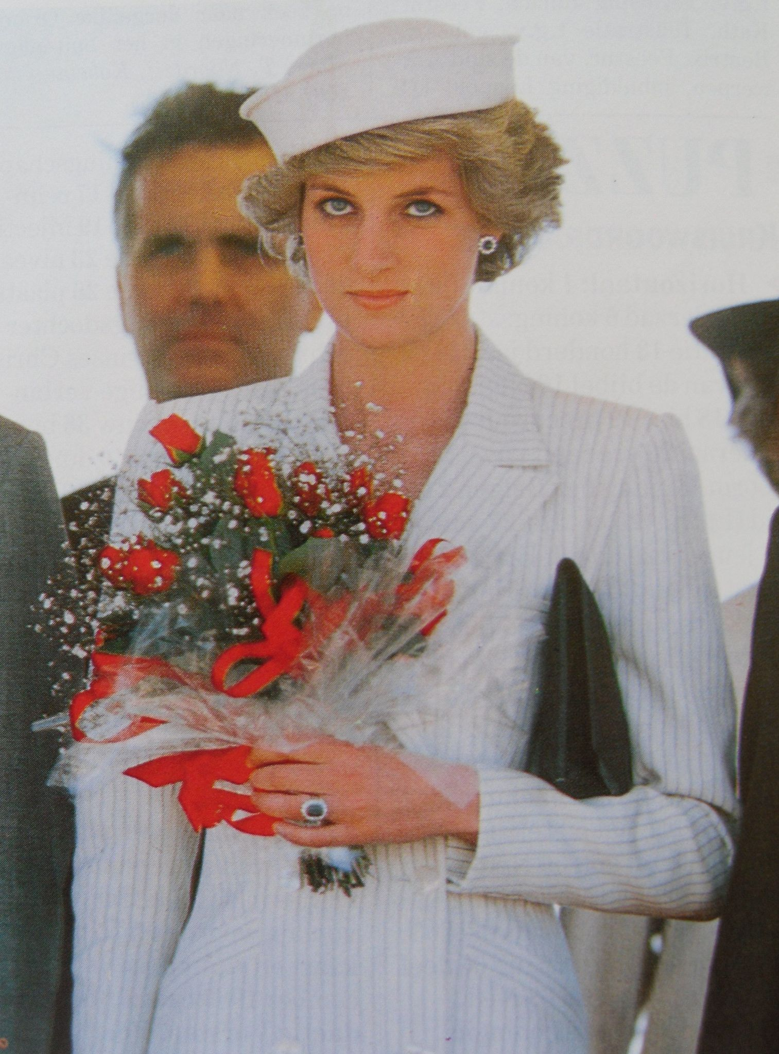 PRINCESS DIANNA IN WHITE Princes diana, Lady diana