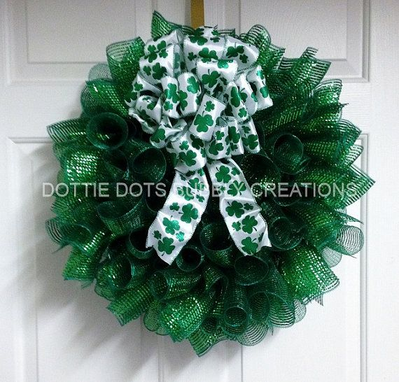 Photo of Items similar to St Patricks Spiral Mesh Wreath on Etsy