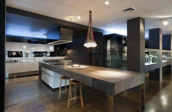 Grand plan de travail pour cette cuisine contemporaine Modern - Table De Cuisine Avec Plan De Travail