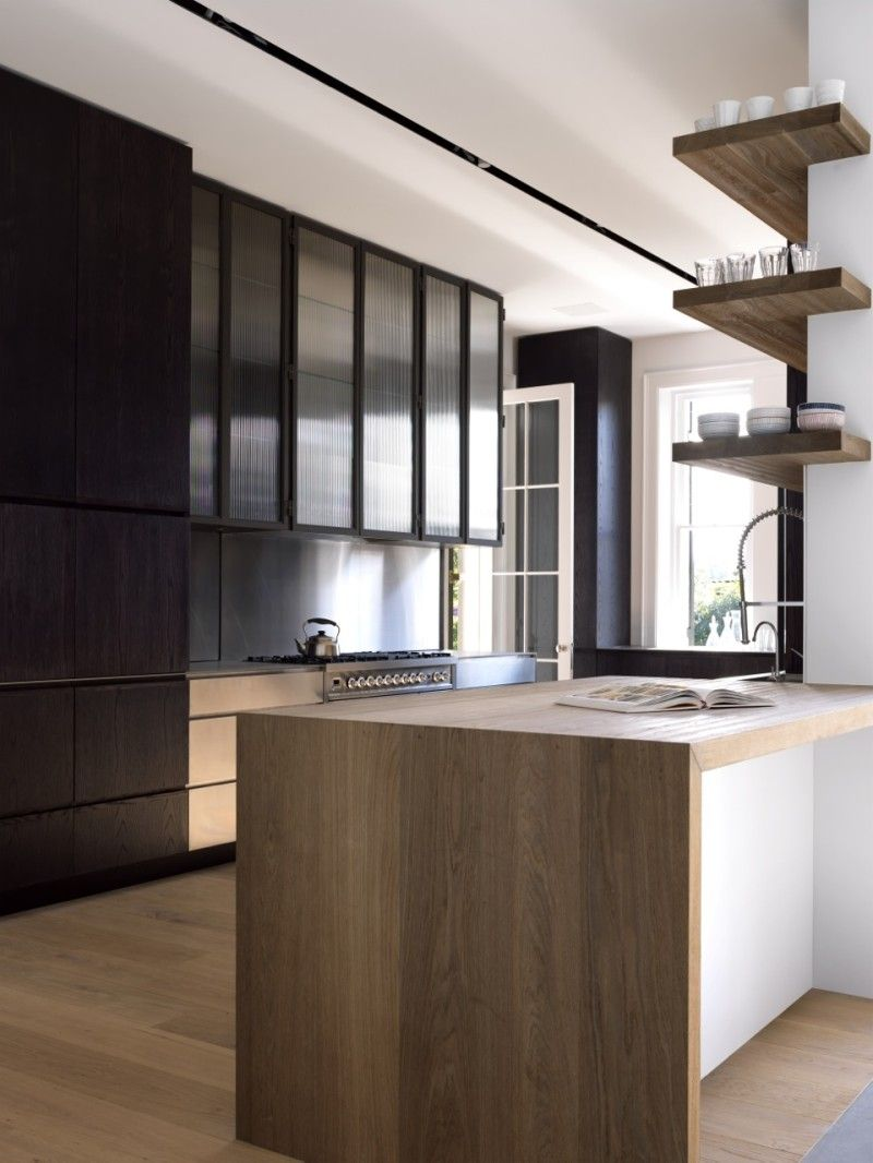 Kitchen design by Luigi Rosselli Architects. Photography by Justin ...