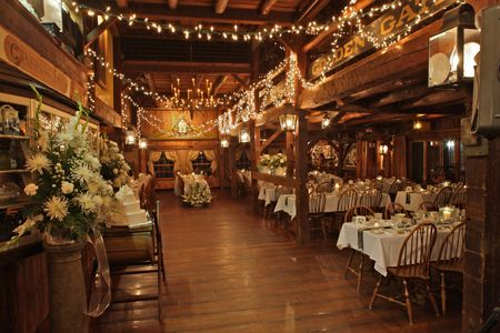 Enjoy Our New England Wedding Specials At Salem Cross Inn Located In West Brookfield
